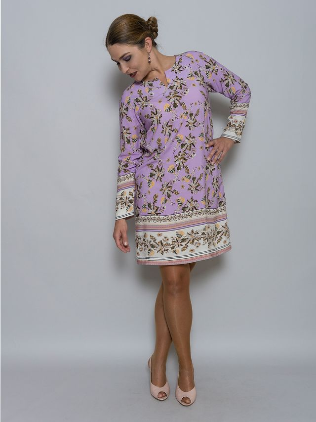 Produktfoto von Unendlich schön - Design Anita Lüchtefeld zum Nähen für Schnittmuster Raglanshirt Dahlia
