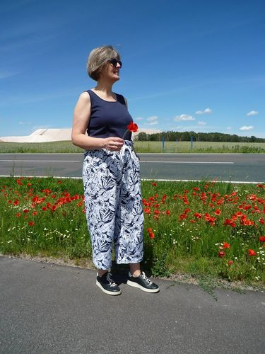 Produktfoto von Unendlich schön - Design Anita Lüchtefeld zum Nähen für Schnittmuster Culotte Pansy