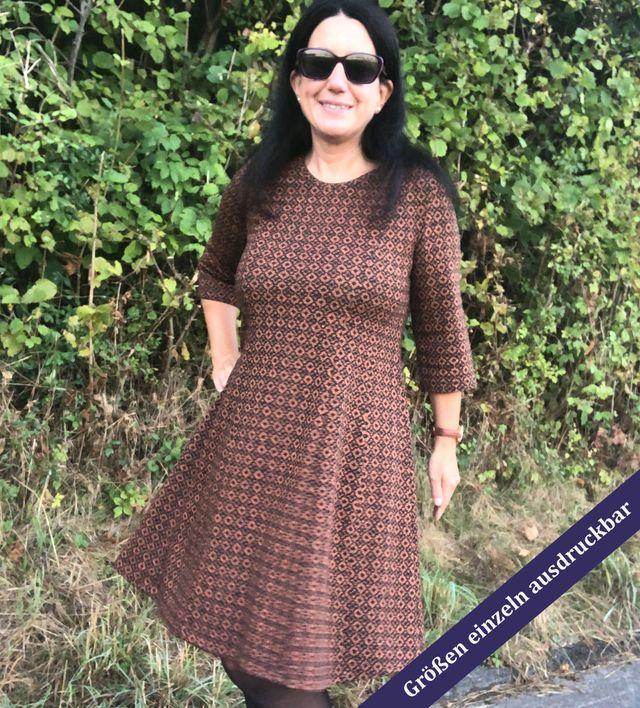 Produktfoto von Unendlich schön - Design Anita Lüchtefeld zum Nähen für Schnittmuster Bahnenkleid/-shirt/-top Jasmin