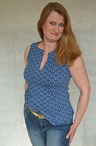 Produktfoto von Unendlich schön - Design Anita Lüchtefeld zum Nähen für Schnittmuster Kleid/Top/Tunika Mailin