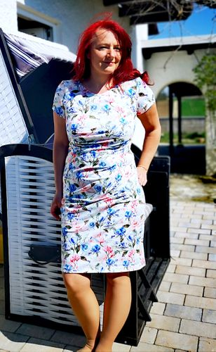 Produktfoto von SchnittmusterLounge zum Nähen für Schnittmuster Kleid PETITE Joyce