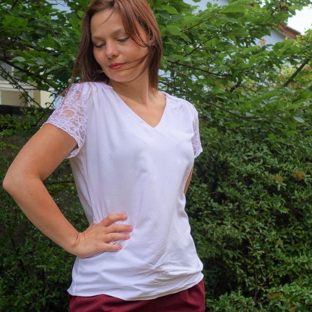 Produktfoto von SchnittmusterLounge zum Nähen für Schnittmuster Bluse PETITE Rosanne