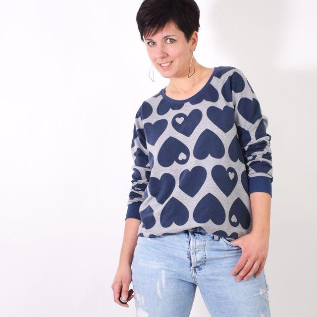 Produktfoto von Leni Pepunkt zum Nähen für Schnittmuster BASIC.sweater