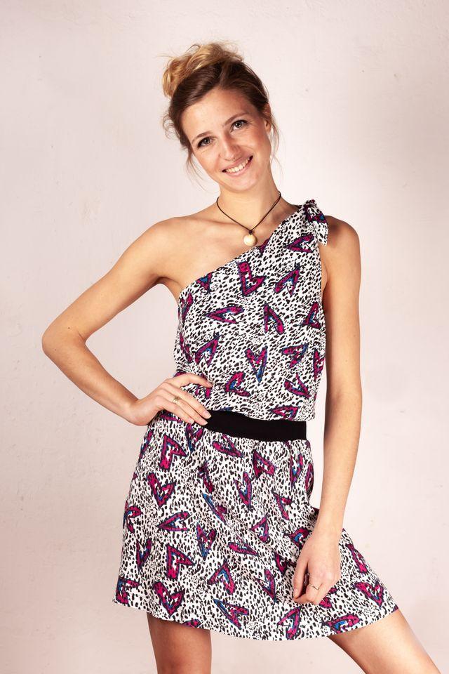 Produktfoto von Schnittmuster Berlin zum Nähen für Schnittmuster Strandkleid Miaka