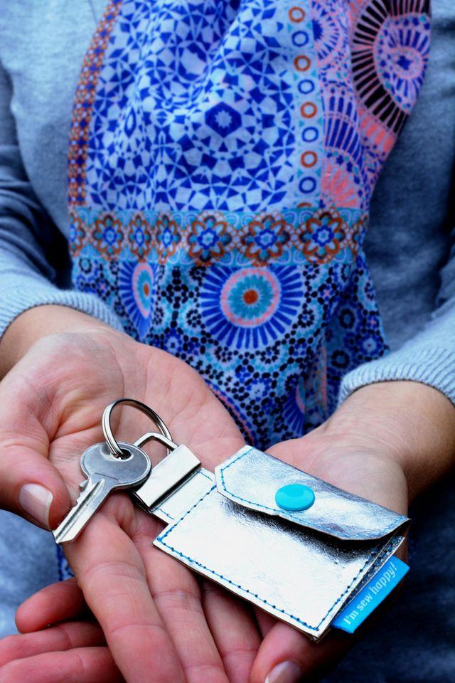 Produktfoto von I'm sew happy! zum Nähen für Schnittmuster Minigeldbeutel Anhänger