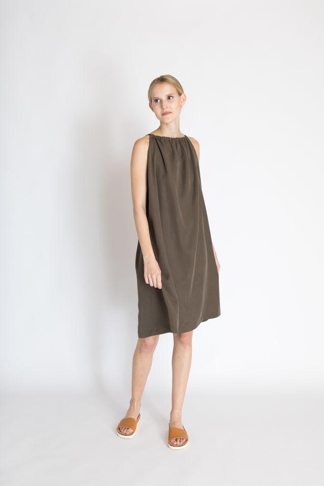 Produktfoto von Bara Studio zum Nähen für Schnittmuster Dress Greta