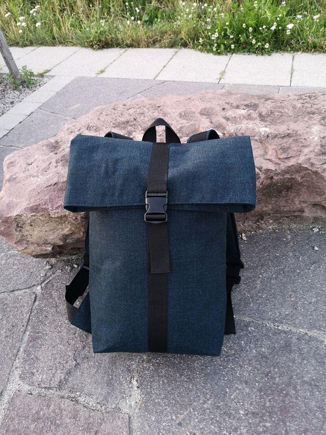 Produktfoto von Meine Schnitte.de zum Nähen für Schnittmuster Rolltop Rucksack Peter