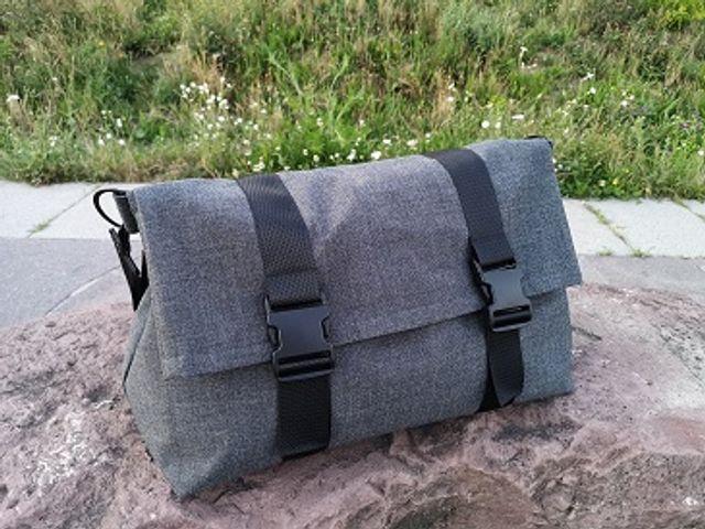 Produktfoto von Meine Schnitte.de zum Nähen für Schnittmuster Rolltop Sporttasche Karsten