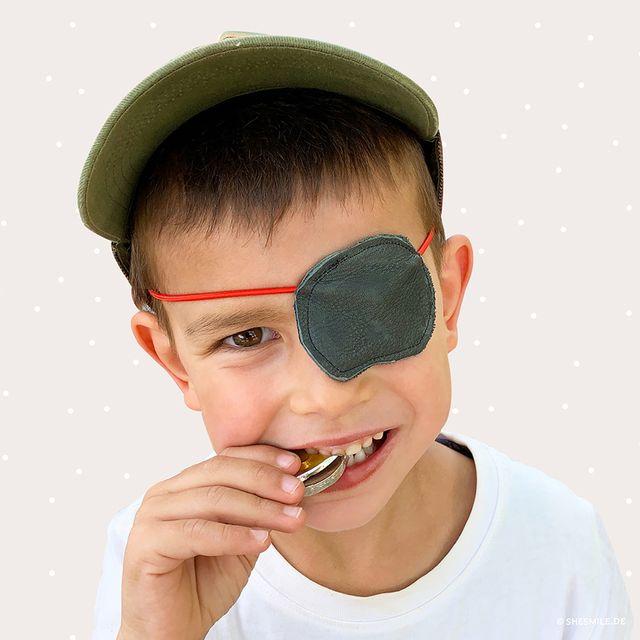 Produktfoto von shesmile zum Nähen für Schnittmuster Augenklappe Käptn Wildbart