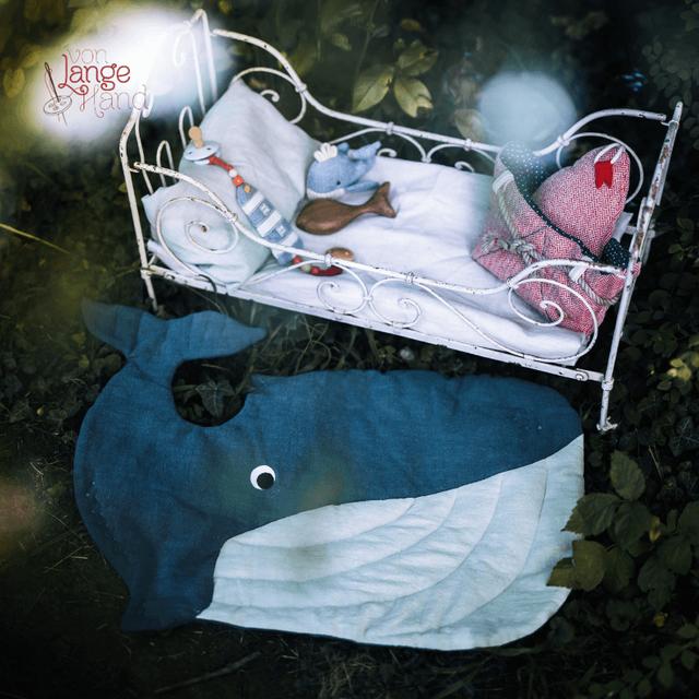 Produktfoto von Von Lange Hand zum Nähen für Schnittmuster Wal als Bett- und Badvorleger