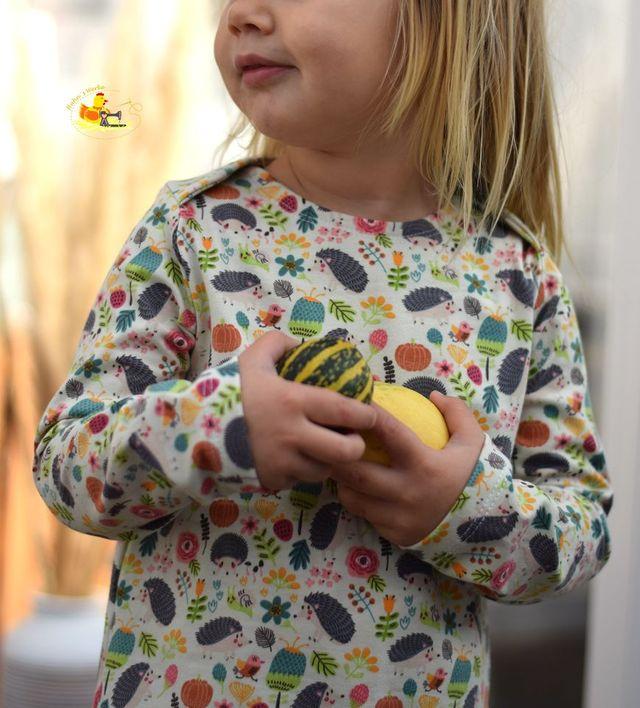 Produktfoto von mar!gold zum Nähen für Schnittmuster Shirt mit amerikanischem Ausschnitt