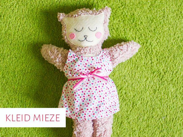 Produktfoto von kreativlabor Berlin zum Nähen für Schnittmuster Kleidchen für die Kuschelmieze