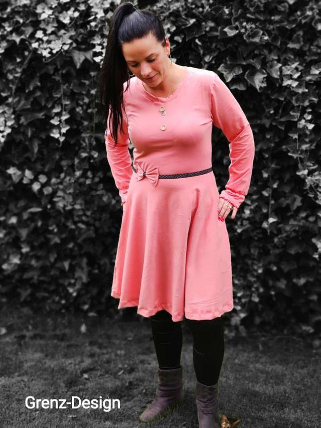 Produktfoto von Engelinchen zum Nähen für Schnittmuster Kleid Miss Marlene