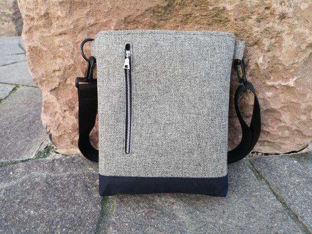 Produktfoto von Meine Schnitte.de zum Nähen für Schnittmuster Umhängetasche/Handtasche Kurt