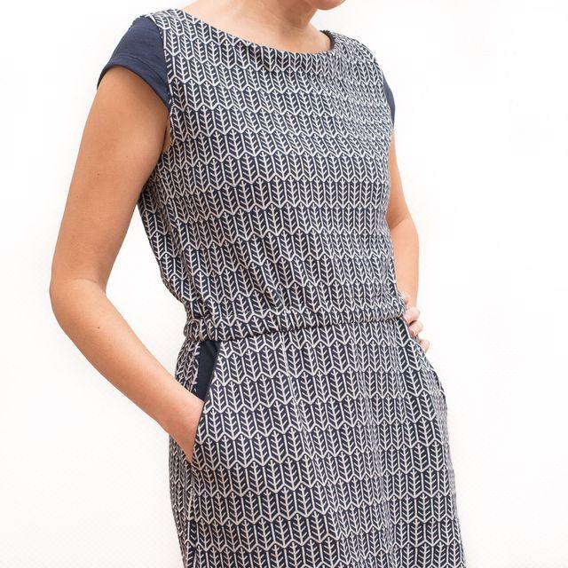 Produktfoto von pedilu zum Nähen für Schnittmuster LaBreton -  Dress