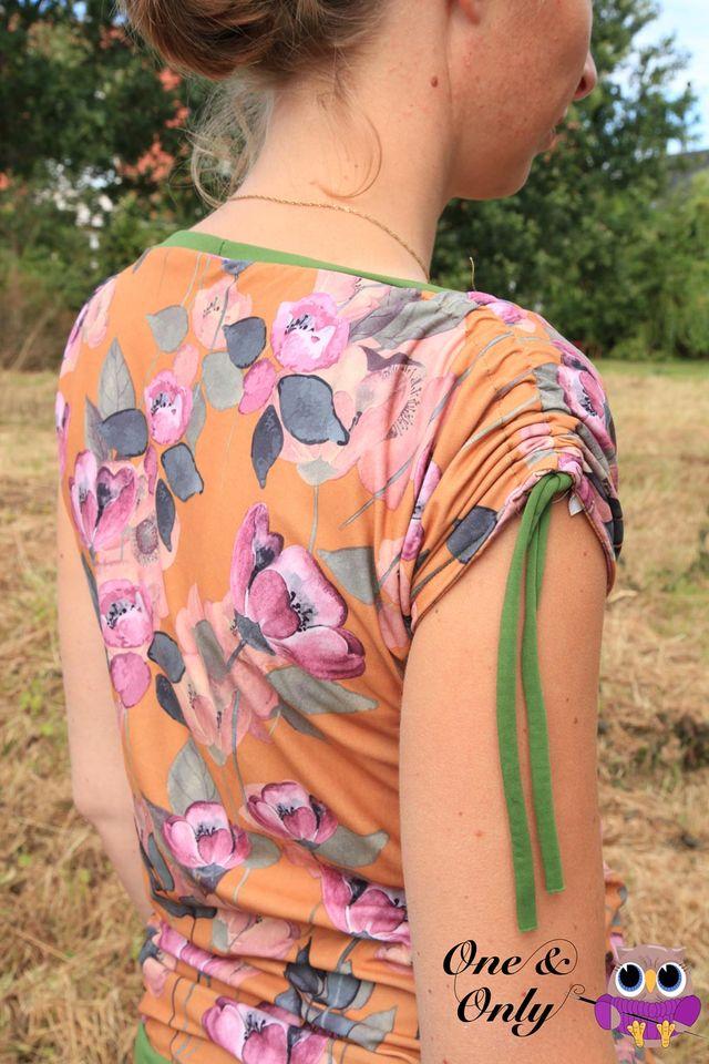 Produktfoto von The Crafting Café zum Nähen für Schnittmuster Damenshirt Lady Lolita