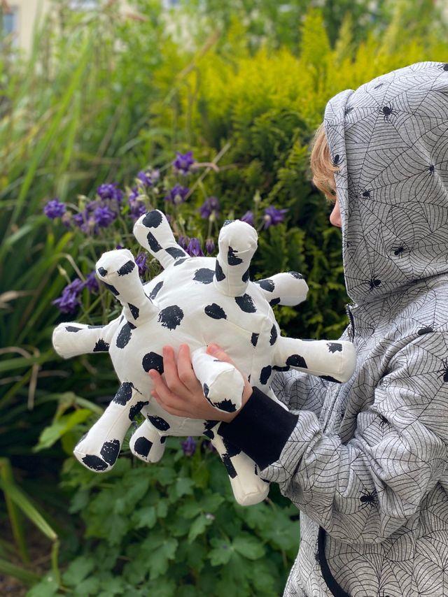 Produktfoto von K-Nähleon zum Nähen für Schnittmuster Kuschelkugel Corina