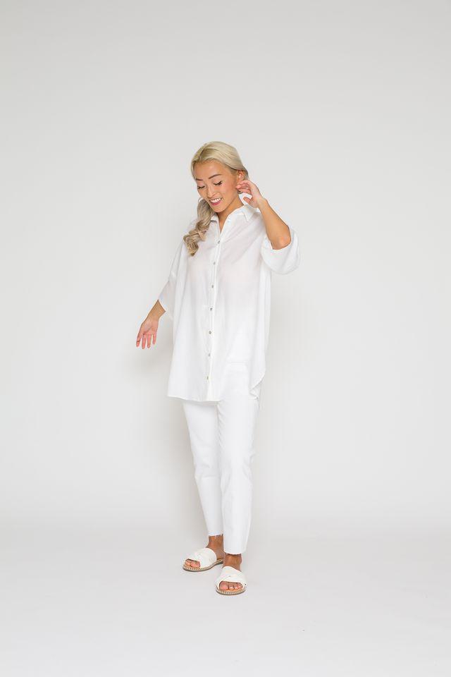 Produktfoto von Bara Studio zum Nähen für Schnittmuster Bluse Finja