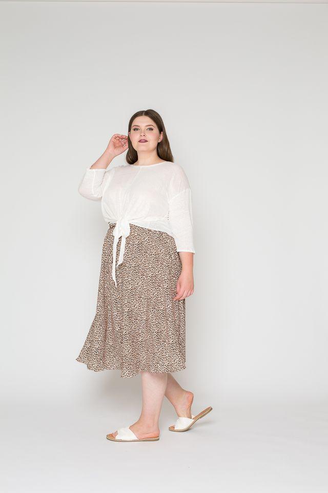 Produktfoto von Bara Studio zum Nähen für Schnittmuster T-Shirt Leah