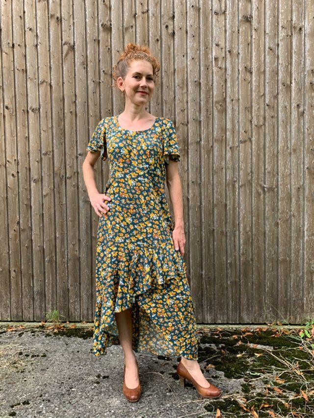 Produktfoto von SchnittmusterLounge zum Nähen für Schnittmuster Kleid PETITE Lyana