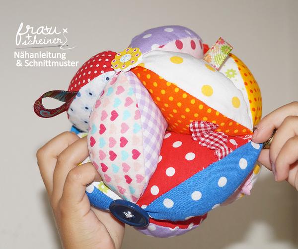 Produktfoto von Frau Scheiner zum Nähen für Schnittmuster Baby Greifball