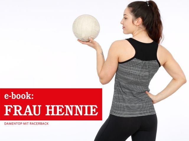 Produktfoto von STUDIO SCHNITTREIF zum Nähen für Schnittmuster Frau Hennie