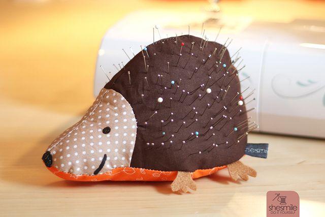 Produktfoto von shesmile zum Nähen für Schnittmuster Nadelkissen Igelix