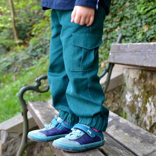 Produktfoto von Fabelwald zum Nähen für Schnittmuster Kinderhose Mix und Moritz