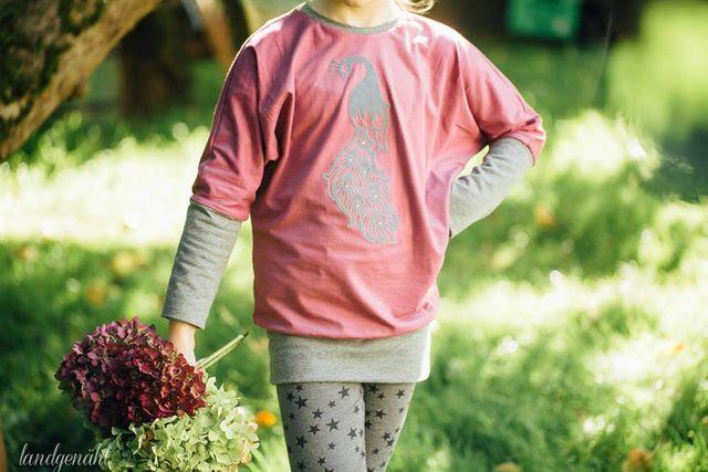 Produktfoto von My Little Ladybird zum Nähen für Schnittmuster Fledermausshirt Lilou