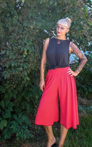 Produktfoto von My Little Ladybird zum Nähen für Schnittmuster Hosenrock Miss Maliah