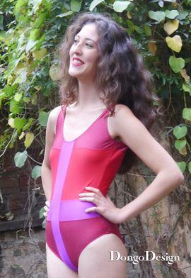 Foto zu Schnittmuster Badeanzug Im Fadenkreuz von DongoDesign