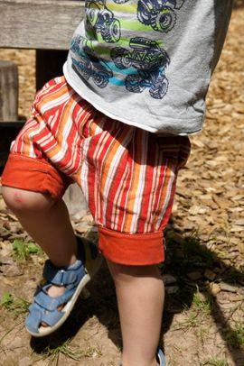 Foto zu Schnittmuster Kurze Hose Beinhalbrein mit Knopflochgummi von Nähcram