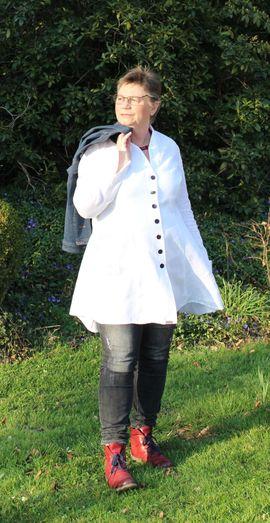 Foto zu Schnittmuster Longbluse Sayuri curvy von Unendlich schön - Design Anita Lüchtefeld