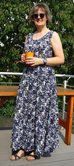 Foto zu Schnittmuster Bahnenkleid/-shirt/-top Jasmin von Unendlich schön - Design Anita Lüchtefeld