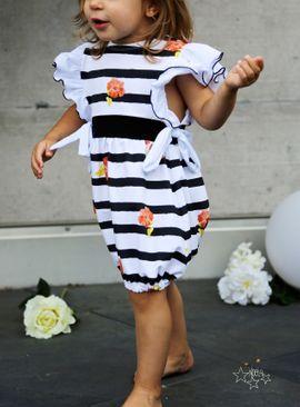 Foto zu Schnittmuster Jumpsuit/Kleid Lovely Butterfly von LovelySewDesign