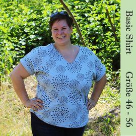 Foto zu Schnittmuster Basic-Shirt mit Ärmelaufschlag Gr. 46-56 von Frau Schnitte