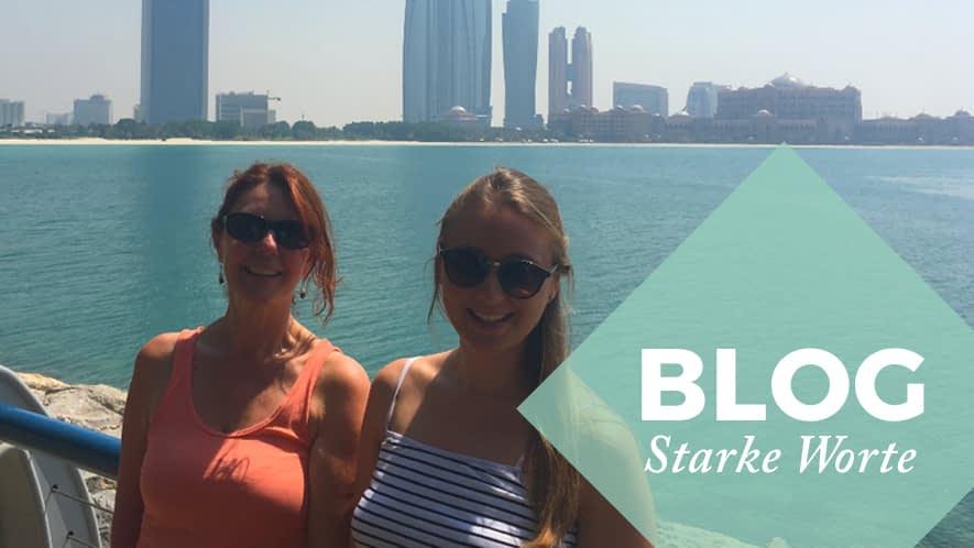 Mathilde und Heike vor der Skyline von Dubai