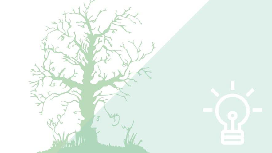 grüner Baum mit versteckten Gesichtern