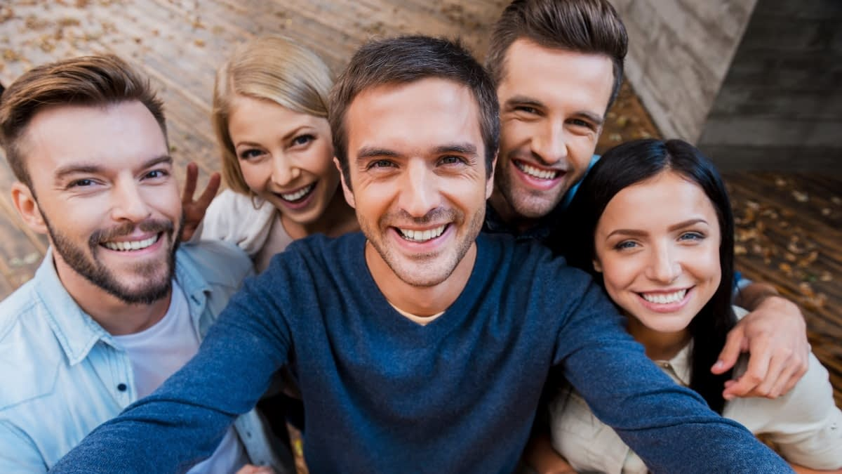 Gruppenbild mit fünf Personen