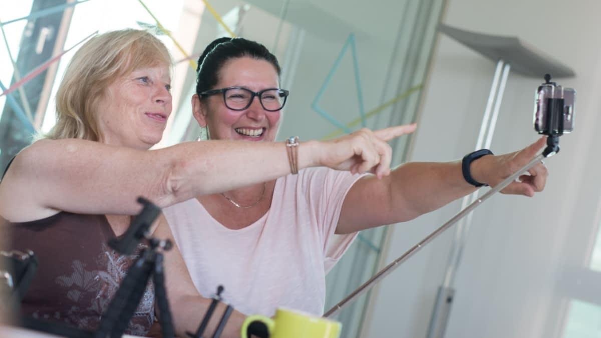 Steffi und Sandra beim Vloggen