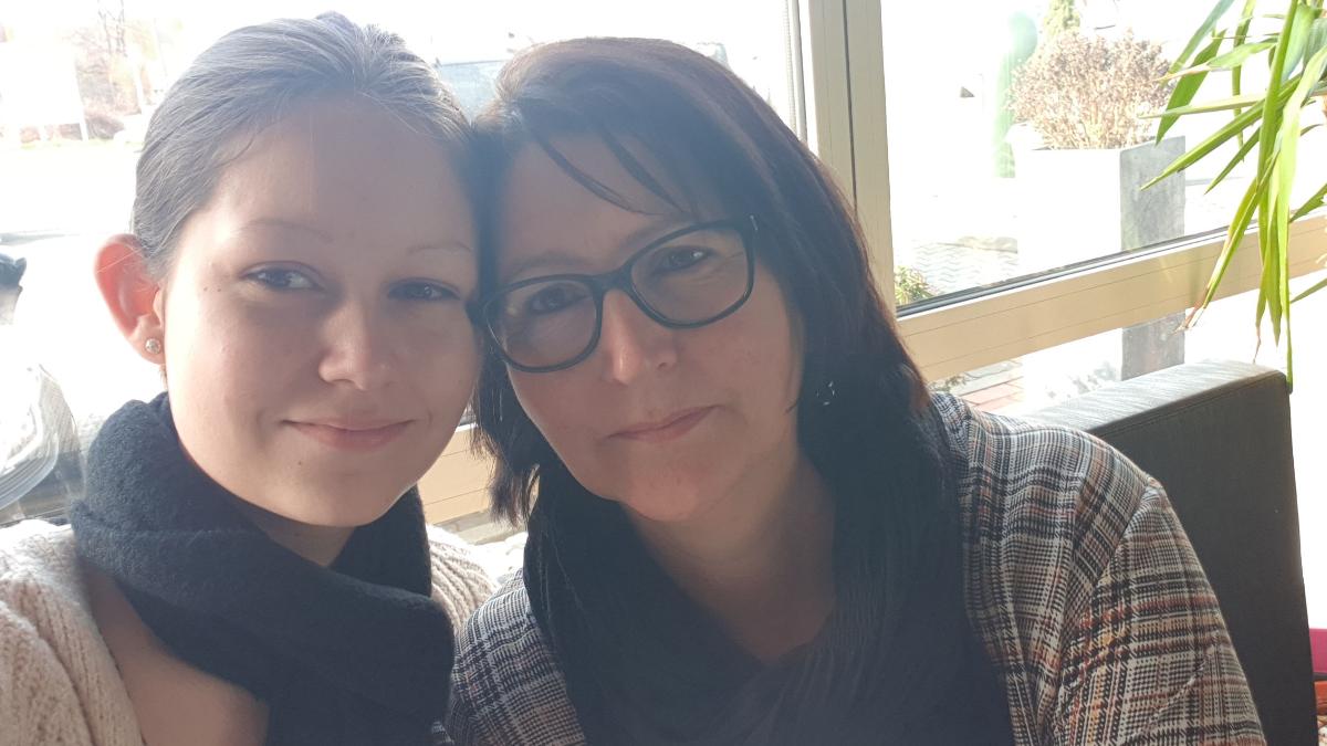 MS-Betroffene Steffi mit ihrer Tochter