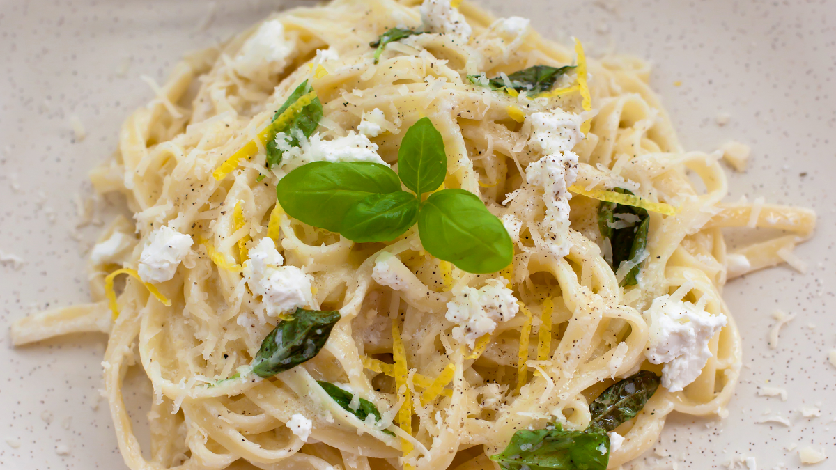 Spaghetti mit Ziegenkäse und Feigen