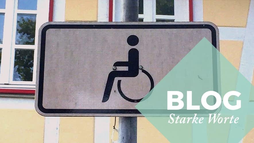 Schild mit Rollstuhlfahrer