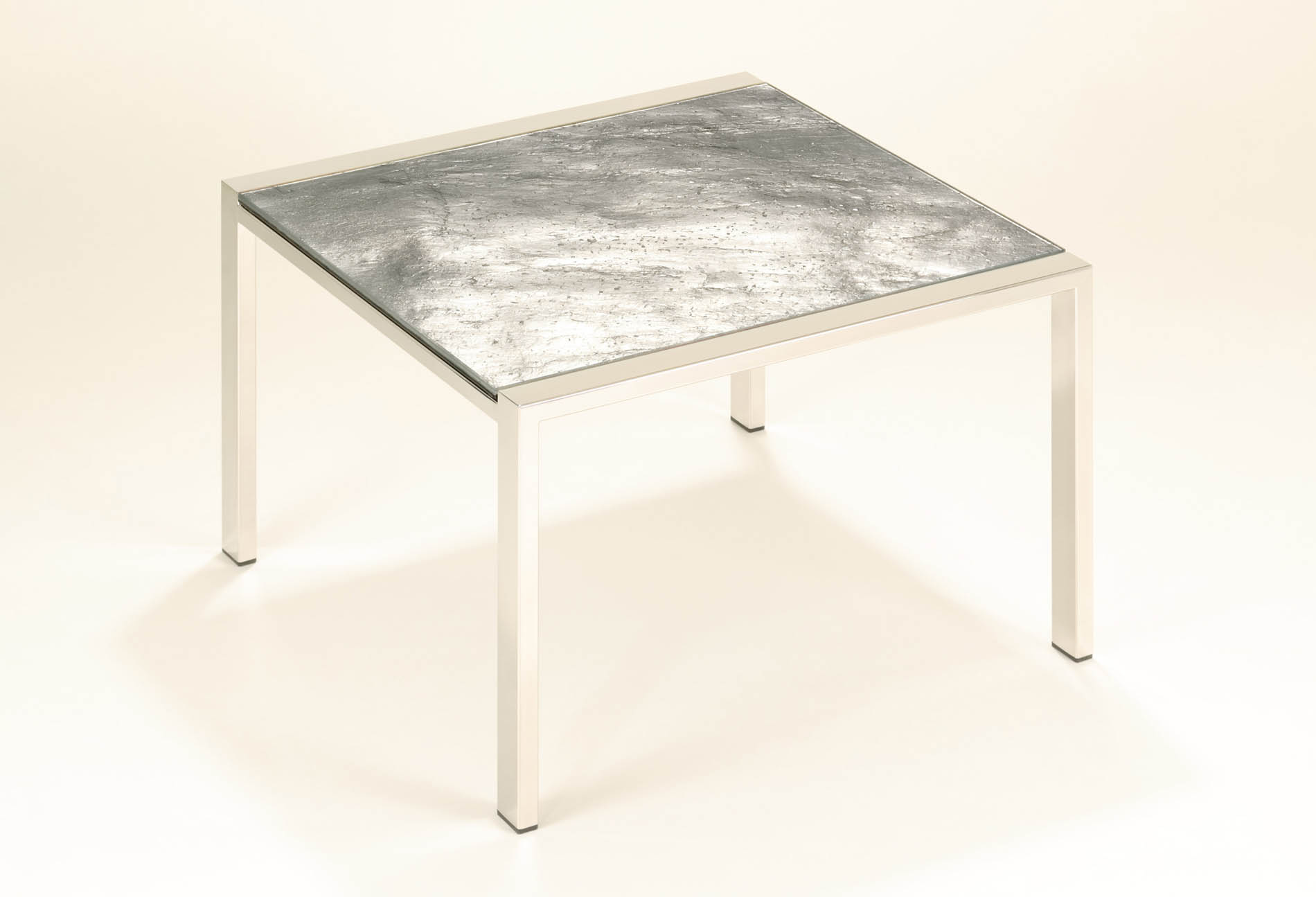 5772-tables-moon-2