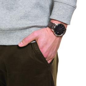 Herrenuhr mit braunem Lederband, 42mm, Edelstahl