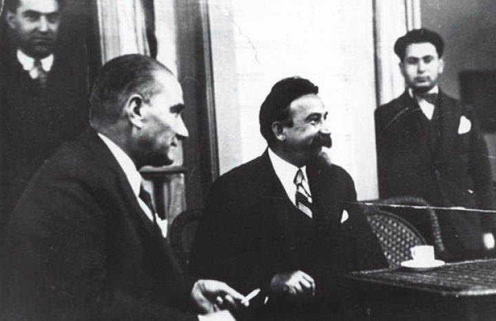 Mustafa Kemal Atatürk ve SSCB Büyükelçisi Y.Z.Surits. Ankara, 1934.