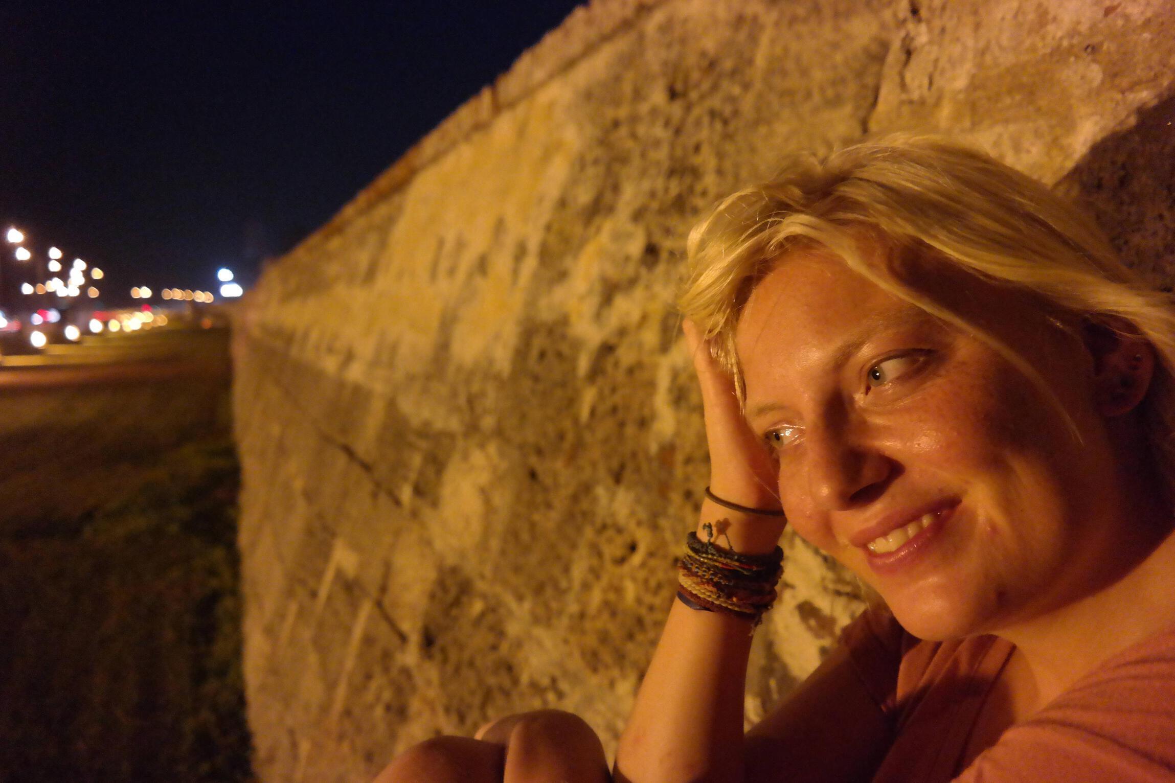 Jillie in de muur