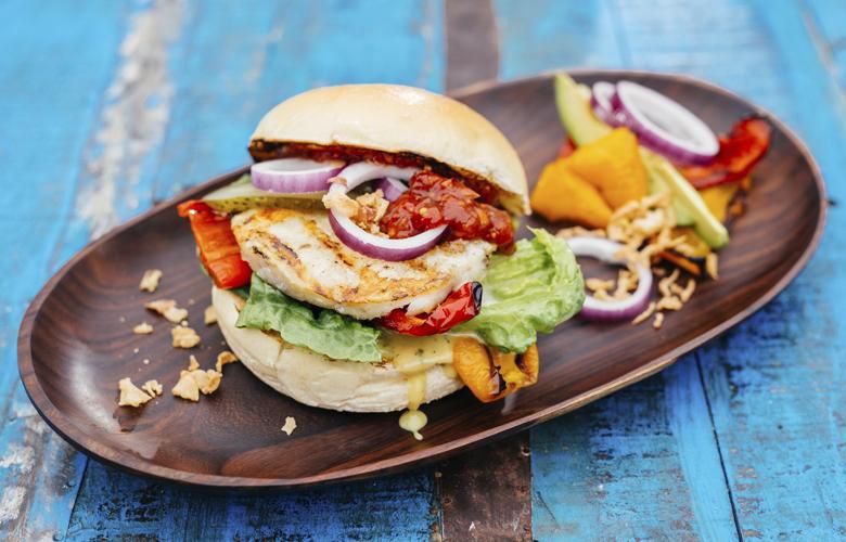Kabeljau-Alaska-Seelachs-Burger-Rezeptvorschlag-02-Produkte-Spezialitaeten-Fisch-Burger