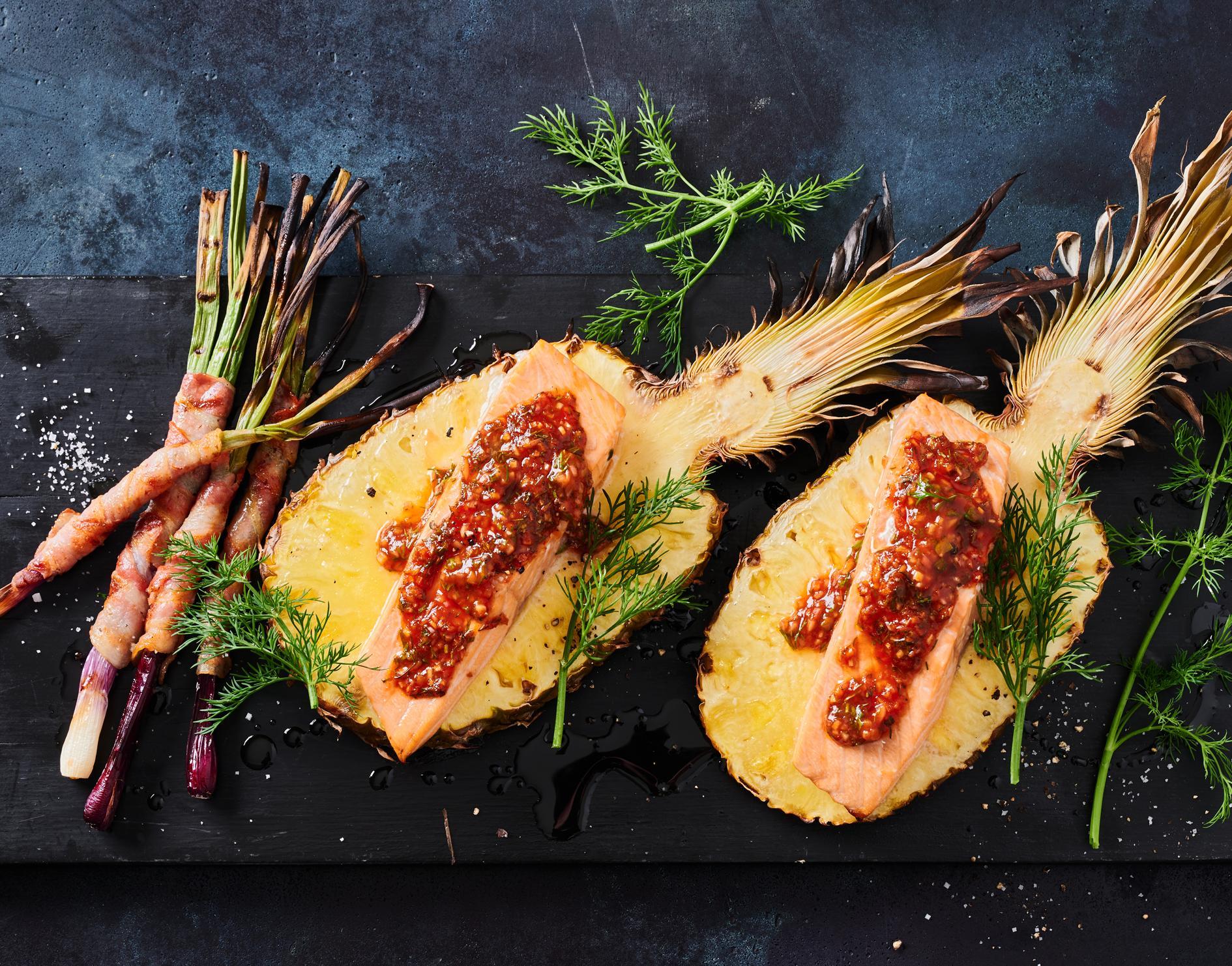 Lachs-Ananas-Planke