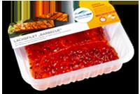 Frischer-Fisch-aus-dem-Kuehlregal-Lachsfilet-Barbecue-Produkte-Spezialitaeten
